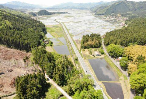 青野火山群によって形成された湖(古徳佐湖)が干上がってできた「徳佐盆地」